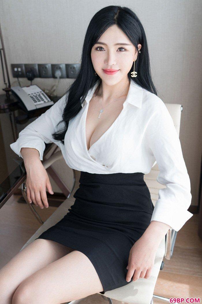 职场女秘刘钰儿美丽OL装妩媚妖娆_西西人体艺中国原创正版