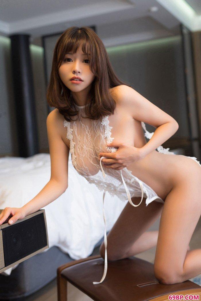 可人小妖精唐思琪一对硕大胸器吸眼球_色服务150p辣图