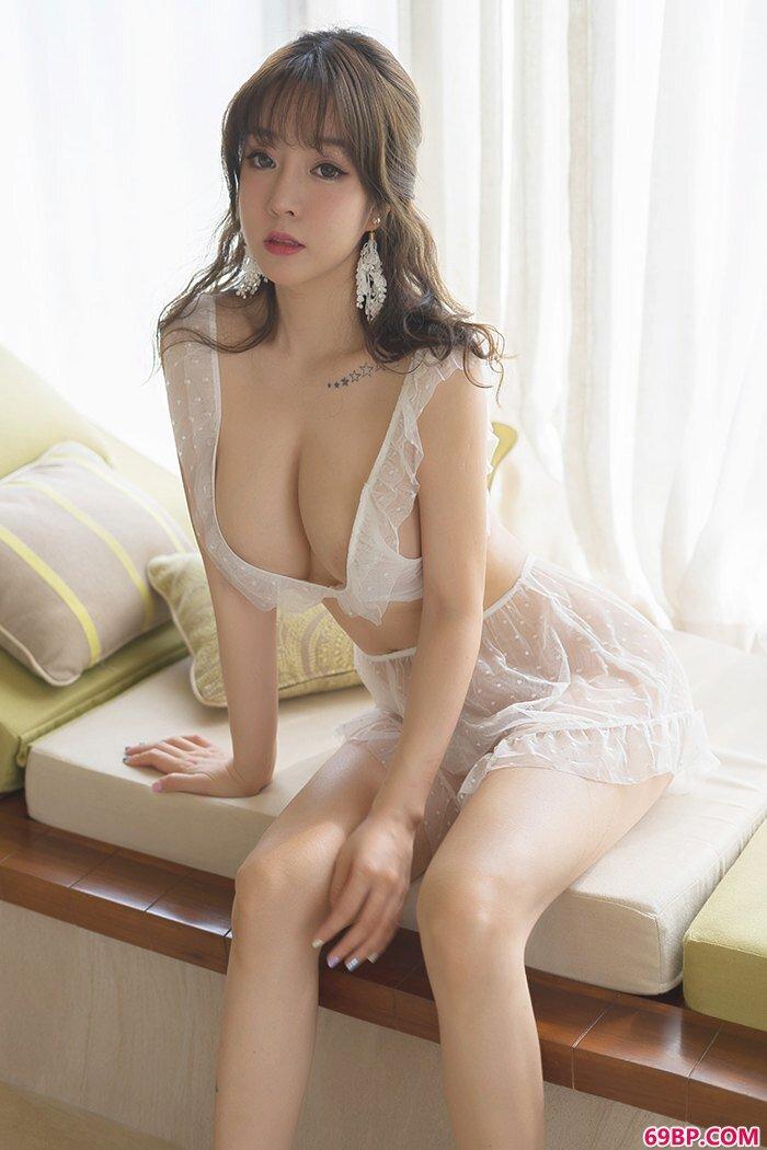 热辣宅女王雨纯丝滑圆乳全裸露出_西西人体芝�X情模特