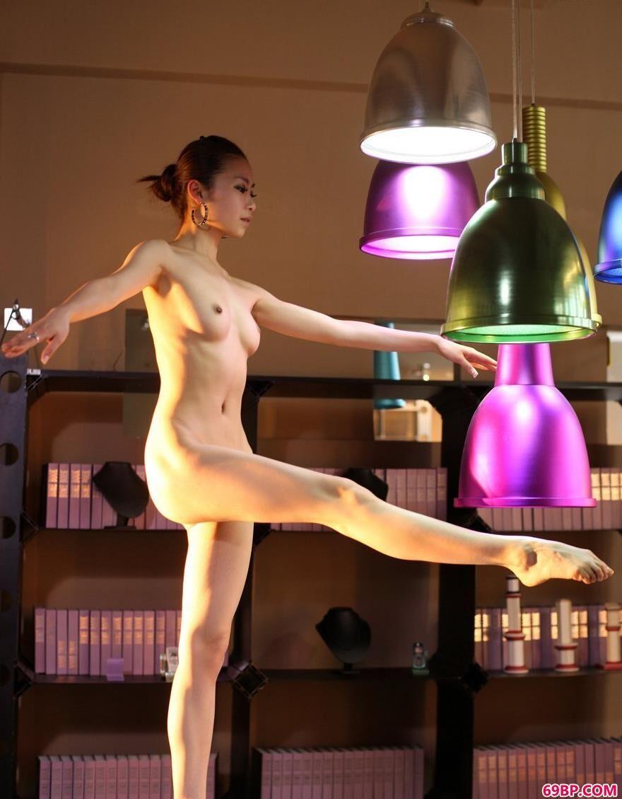 免费欧洲美妇做爰_芭蕾女神舞动的贝贝1