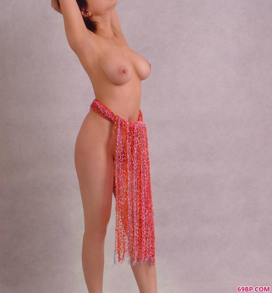 韩国日本欧美裸体艺术_丰润母性之美超模塔塔4