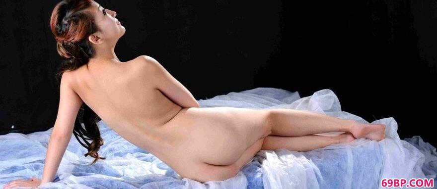 薄纱上的美模玟玟