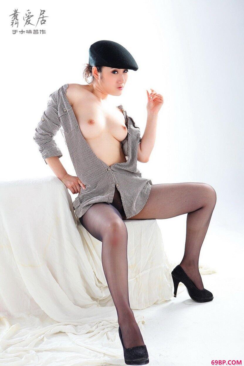 雪白人体美模雪茶弹破娇春,外国美少女人体艺术