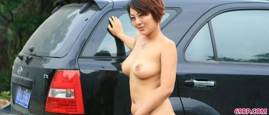 gigi_丰润女美模傲蕾外拍人体
