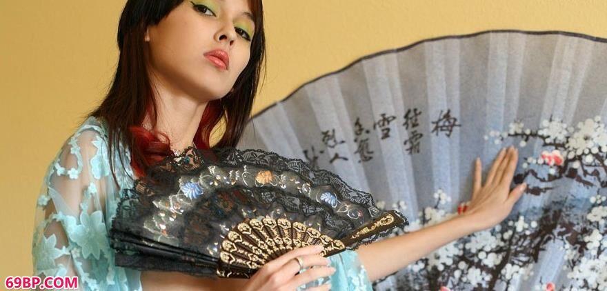 美模demimoore多年拍摄的经典人体套图