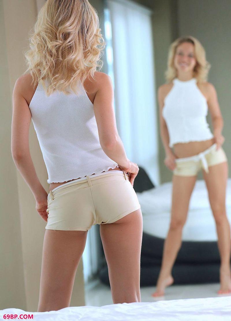 自我欣赏完美体态Danica