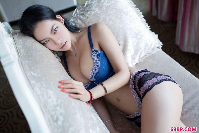 电眼名模马楠楠纯美摄影